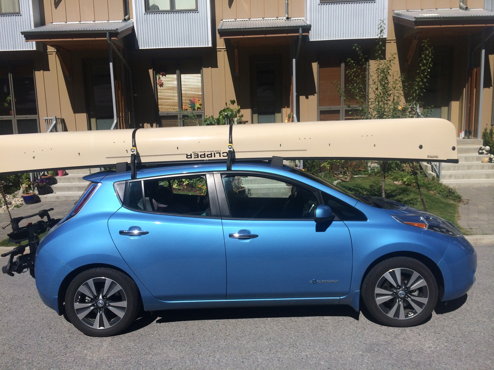 The canoe on the roof and all our gear inside
